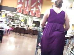 Grupy BBW w fioletowej sukience