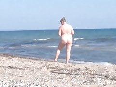 Fette Nudistin