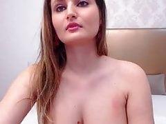 Polnische Frau spielt mit ihrer Pussy