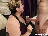 Finger banged mature bbw gets banged