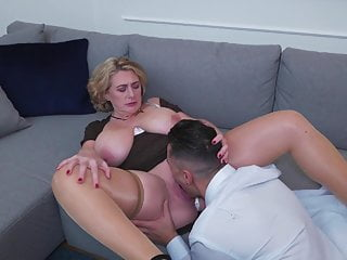 Anal Bbw movie: PAWG mature mom gets anal sex from boy