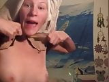 Teen shows tits and pussy on periscope