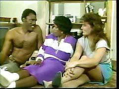 Ebony Ayes scène de sexe - Bon Golly Miss Molly (1987)