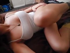 Cute Youthfull Gal With Yam-sized All-natural Bumpers Faps On Cam