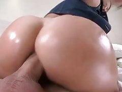 Sexy Cameron Canada fa un anale fantastico