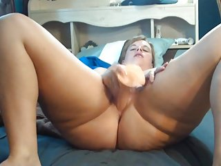 Big booty black mom fucking