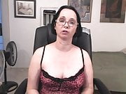 CAM MODEL HELP ADVICE ON CLOTHES TO WEAR  MAKEUP APPEARANCE