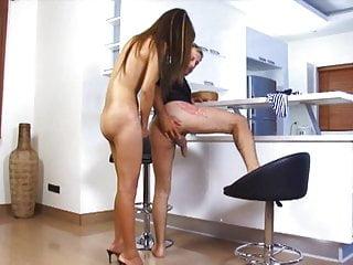 video: Ladyboy Report