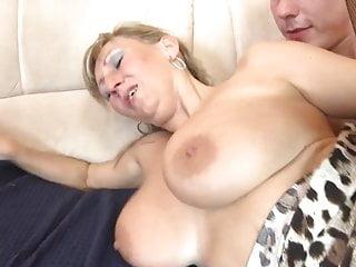 性感成熟與年輕人