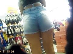 brunetka cipka w sklepie (brunetka przepyszna gorąca) 34