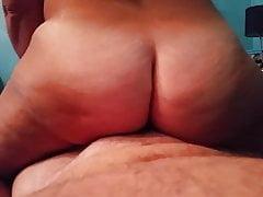 Pawg Phatty dusi swojego penisa