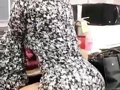 Sexy Latina twerking jej soczyste ciasta