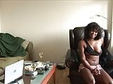 amature black girl strips at home