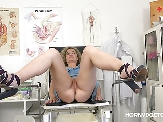 Medical Hd Videos Porn Cz video: HORNY DOCTOR TAKES CARE OF AMELI