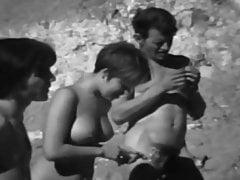 Vintage nudistický klip z 60. let