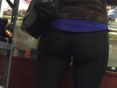 GoddessHunt: MILF + PAWG + pantalones elásticos = BOOTY (sin audio)