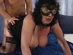 Mamma allemande aime baiser - 01