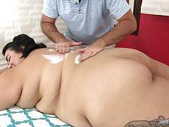 Bunda gorda Mia Riley dildo massagem sexual