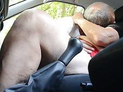 Oma Schlampe im Auto
