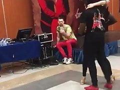 Pareja sexy de IR bailando