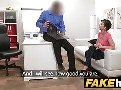 Das gefälschte Agent Model Vicky Love nimmt Cumload auf ihre großen Titten