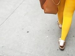 Jiggling latina booty