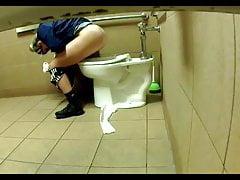 Sexy Toilettenmädchen 20