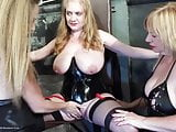3-way squirting lesbian domination with speedybee & lilymay