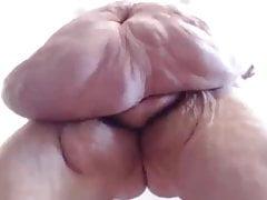 Big belly BBW Tiffany appeso che mostra ogni chilo sul suo corpo