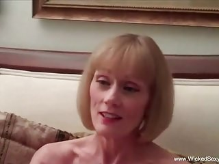 porno zadarmo - Sometimes Mommy Needs Attention Too