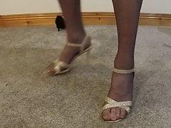 Rimozione di scarpe e collant
