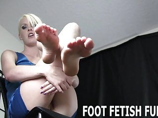 Bdsm Femdom Pov video: Lick each one of my pretty little pink toes