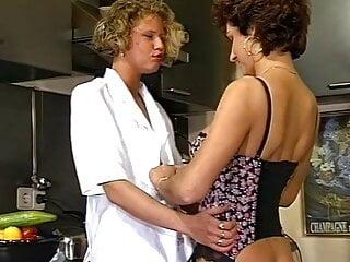 Stiefmama und Natur DP mit der dicken fetten Gurke im Arsch