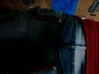 mama de compras en jeans