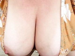 Shake those boobs