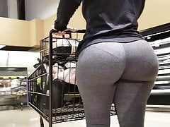 huge pawg ass milf in grey leggings shoppingfree full porn