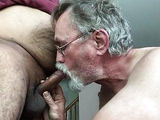 Sucking a nice Desi cock
