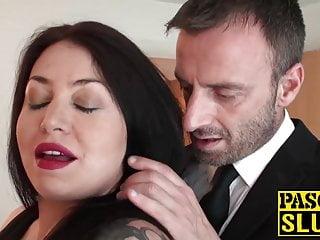 UK cumslut Nikki Gold rides hard after throat fucking