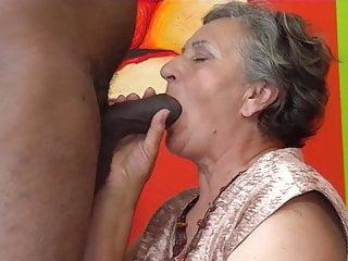 avozinha viuva e carente adora caralhos pretos