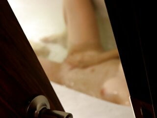 I spied on my stepmom whilst she jerked off in the toilet P