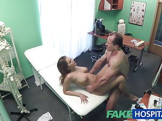 FakeHospital La tettona ha un problema alla schiena