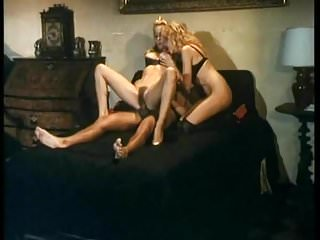 Moana Pozzi fa anale in Anal Stars 1991