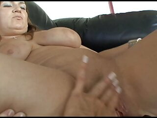 Houswives at home alone.... pussy lickers