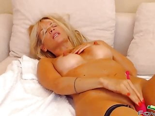 Blonde luan with astonishing body cunt...