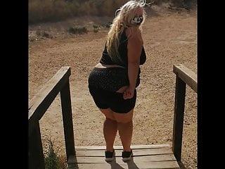 Flashing my ass in public blond bbw milf...
