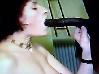 AndreaSex Sucking A Big Black Posh