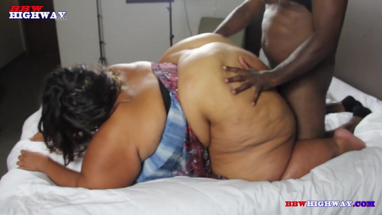 SSBBW redbone with a huge ass getting BBC doggystyle