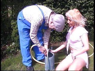 DD sunbathing naked blonde beauty gets mounted from behind by hot gardener