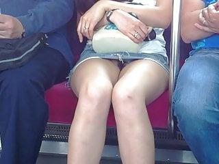 upskirt no panties in train Tokyo Japanese