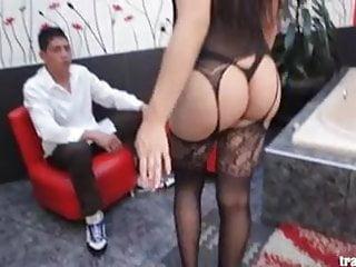 Mariana loves tight...